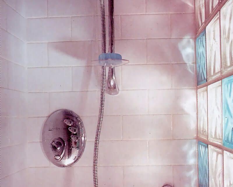 2 pasos para cambiar el teléfono de la ducha